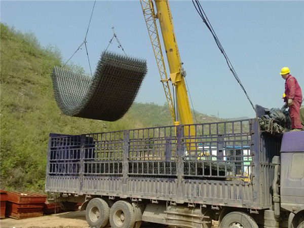 钢筋网卸车现场